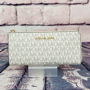 ⚠️SALE⚠️ Michael Kors Jet Set 3/4 Wallet